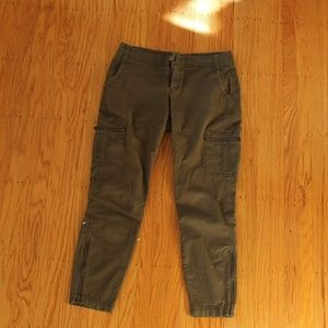 Athleta green ankle pants